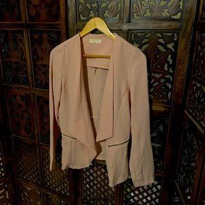 Light pink jacket with pocket zips